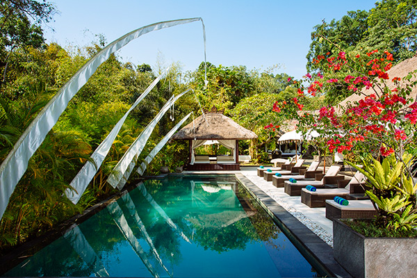 6 BEDROOM LUXURY VILLA RETREAT IN CANGGU