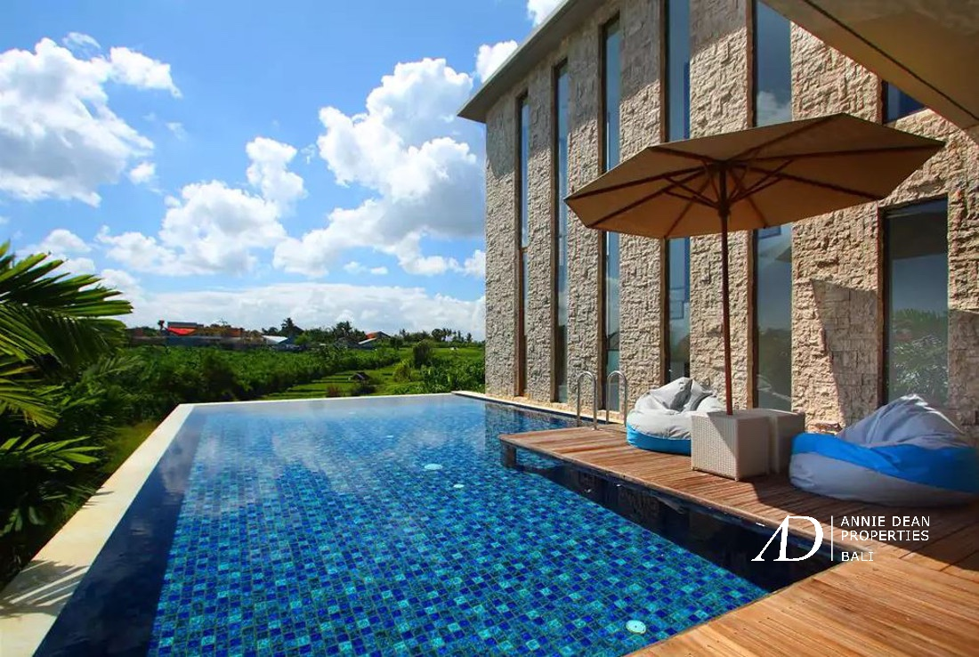 FOUR BEDROOM VILLA WITH ROOFTOP POOL