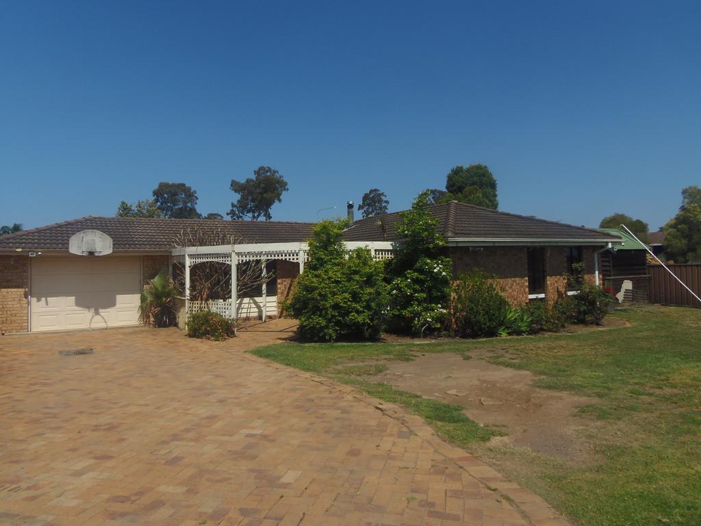 15 Frampton Avenue, St Clair, NSW, 2330 - Image 1
